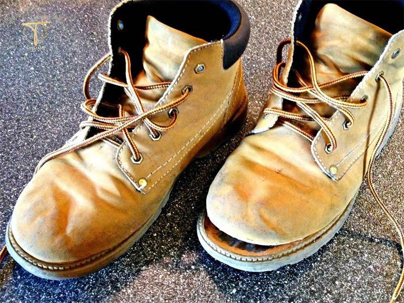 Giày cũ bị bong keo