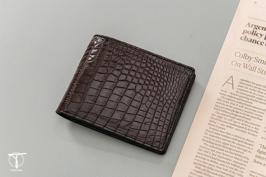 Chọn mua ví da cá sấu ưng ý đúng chuẩn
