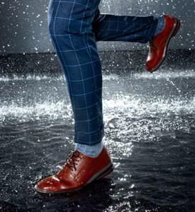 bảo quản giày da bị ẩm ướt