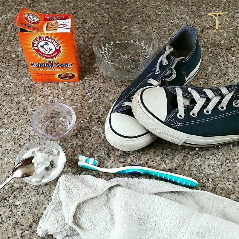 Làm sạch giày với Baking soda