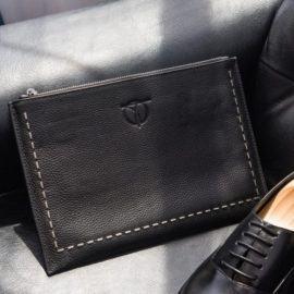 Đàn ông có nên dùng ví cầm tay