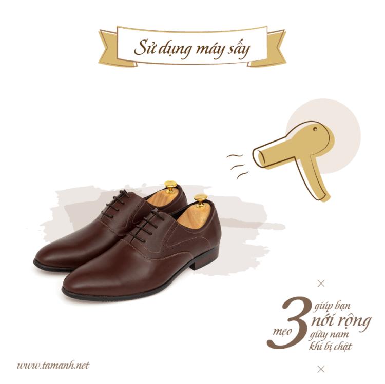 Cách làm giày rộng ra bằng máy sấy
