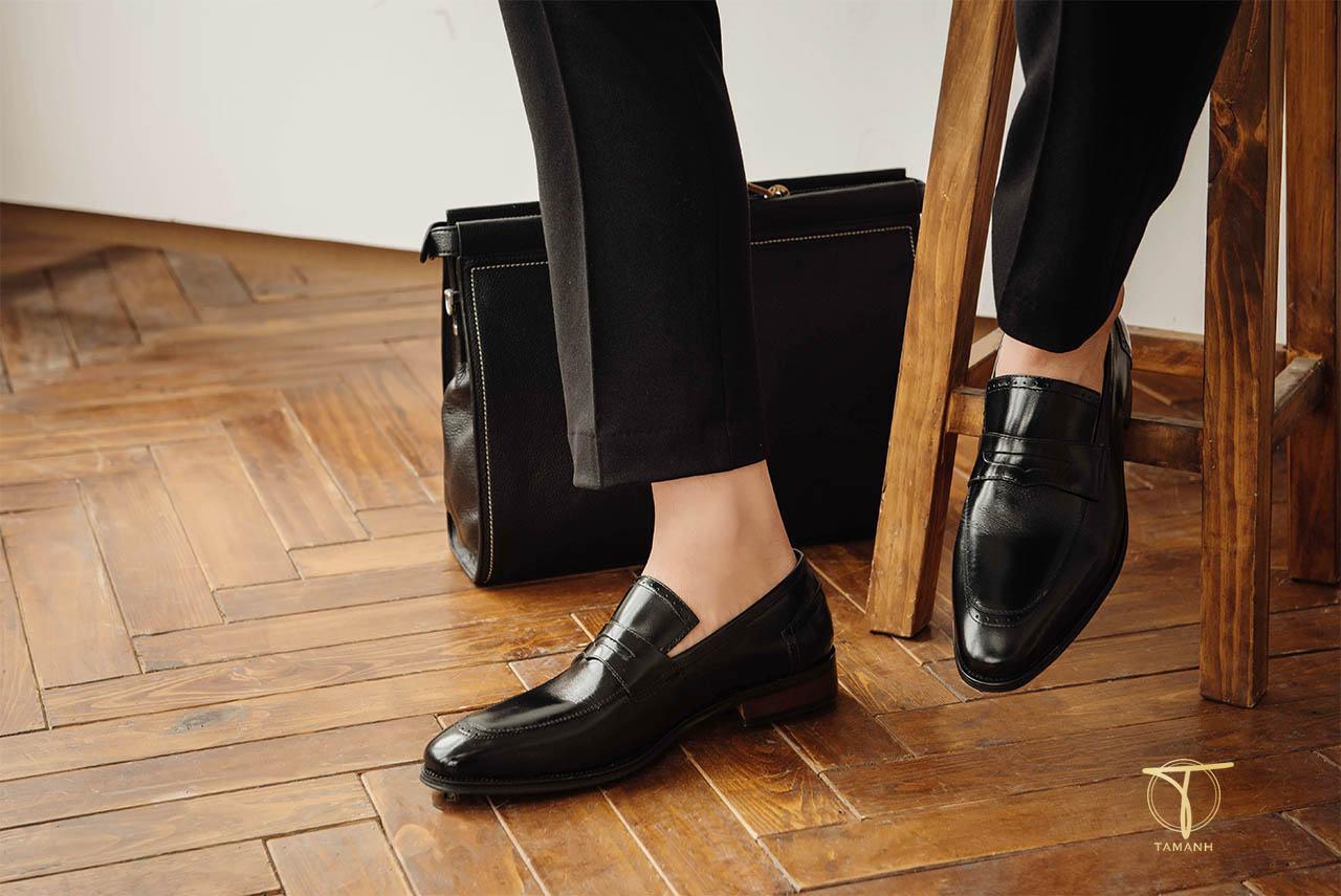 Mua giày lười theo phong cách thời trang