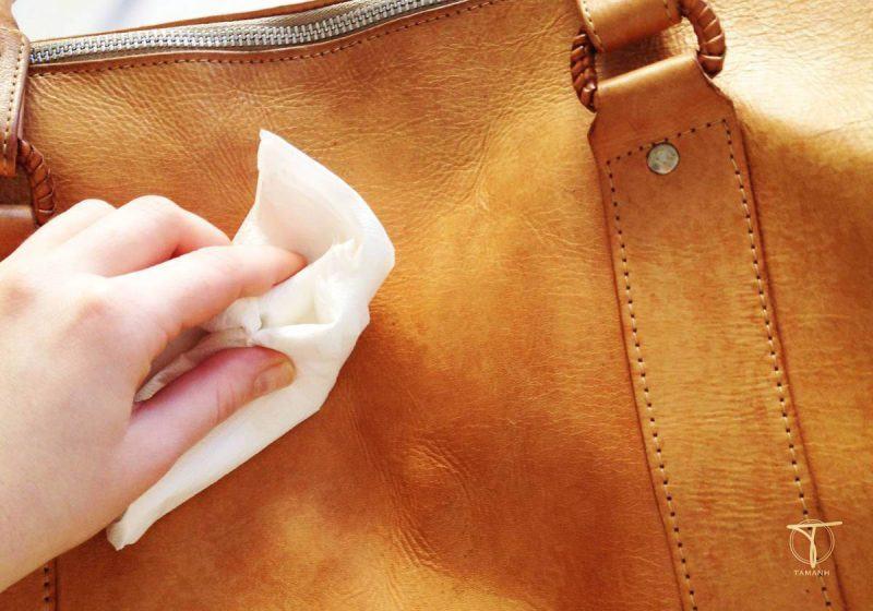 Cách tẩy mực trên đồ da