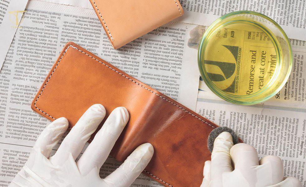 Xử lý ví da bị xước rách