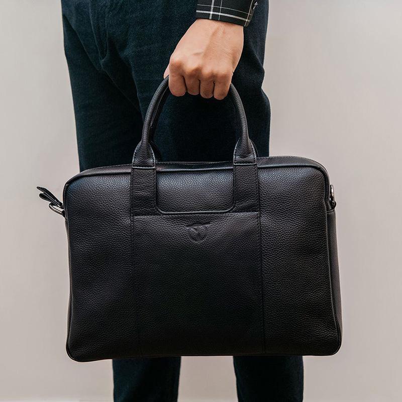 Túi da màu đen dễ dàng mix match